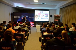 Estudantes participam de palestras do UK Universities Tour em Recife. Foto British Council
